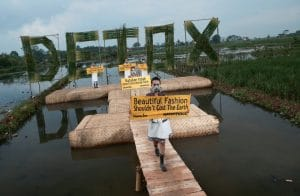Greenpeace Detox Catwalk in Bandung. © Greenpeace / Hati Kecil Visuals